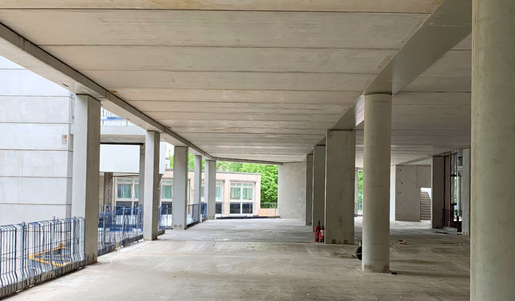 Flat soffits to aid M&E services distribution and provide flexibility